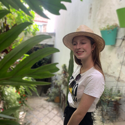 elise zoekt een Kamer / Studio in Gent
