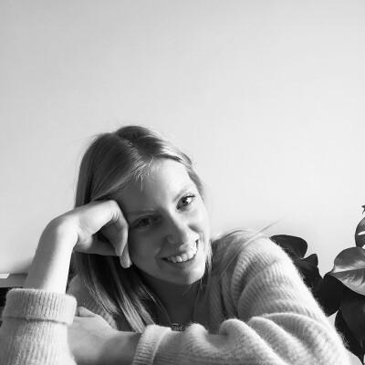 Eva zoekt een Kamer / Studio in Gent