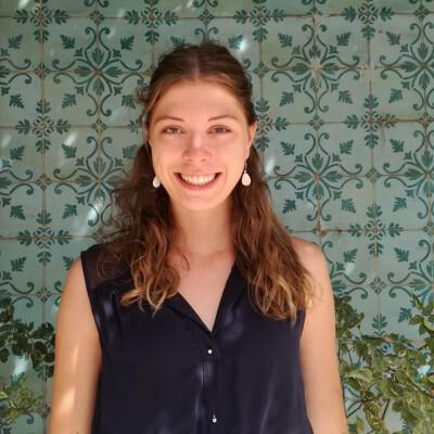 Liesbeth zoekt een Kamer / Appartement / Studio in Gent
